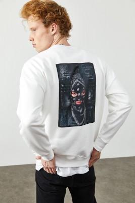 XHAN - Beyaz Arkası Baskılı Sweatshirt 2KXE8-45353-01