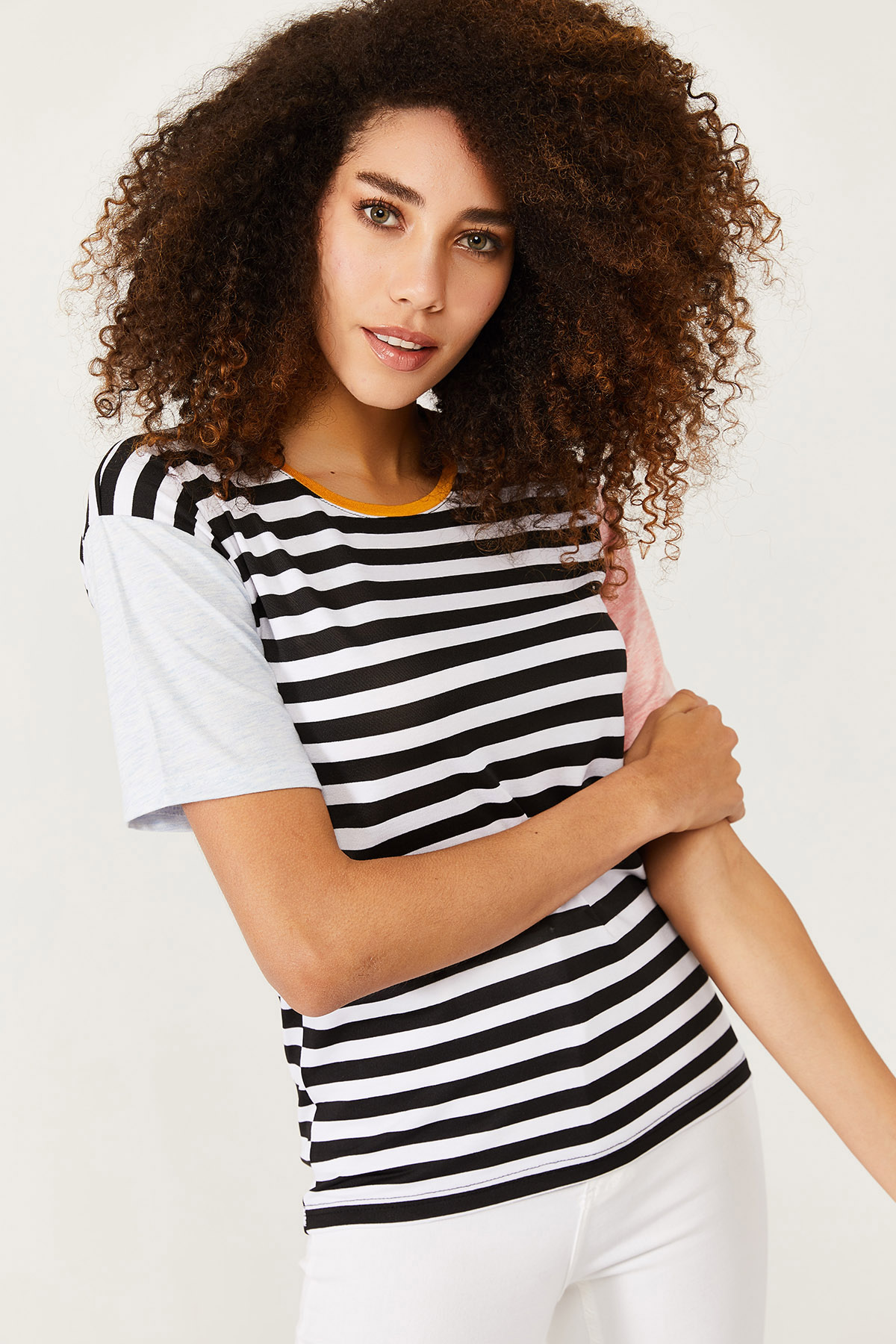 XHAN - Beyaz Kolları Renkli Çizgili T-Shirt 1KXK1-44543-01