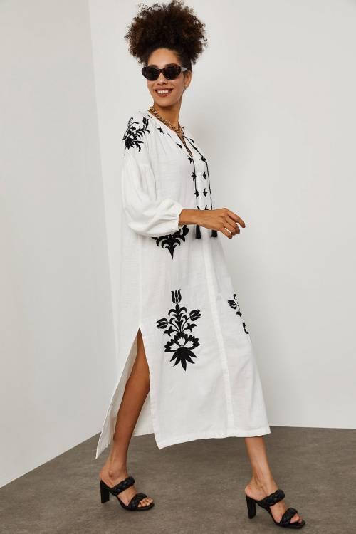 XHAN - Beyaz Püsküllü Elbise 1YXK6-45258-01