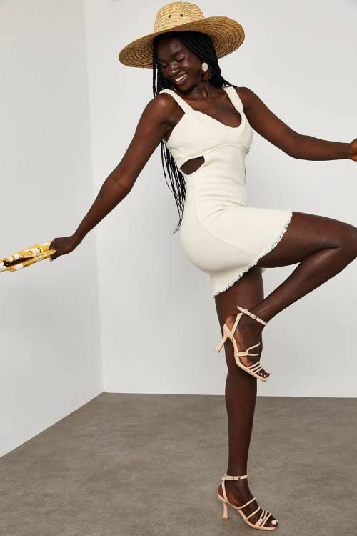 XHAN - Beyaz Yanı Dekolteli Mini Ebise 1YXK6-45063-01