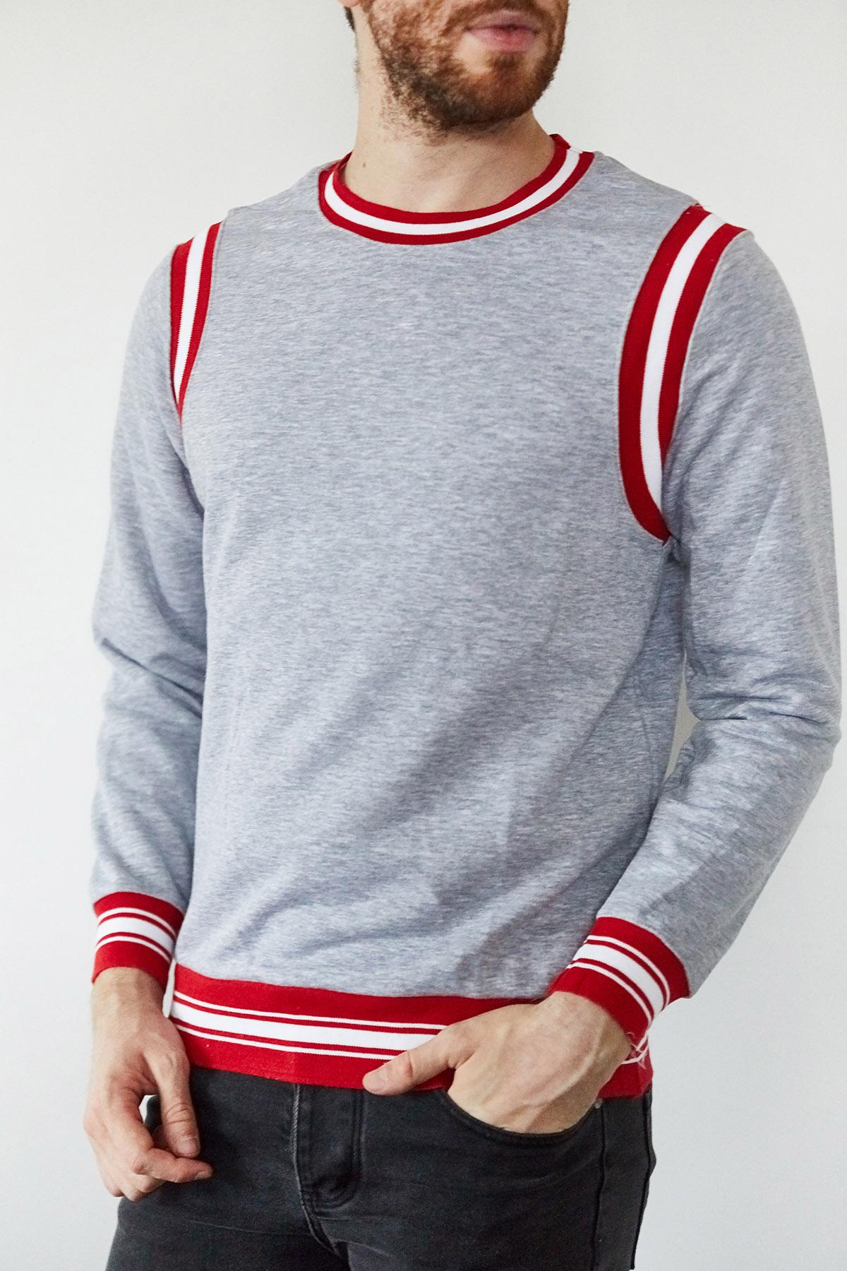 XHAN - Gri & Kırmızı Şeritli Bisiklet Yaka Sweatshirt 1KXE8-44164-03