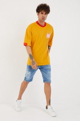 XHAN - Hardal Yakası & Kolu Garnili Baskılı Oversize T-Shirt 1YXE1-44880-37