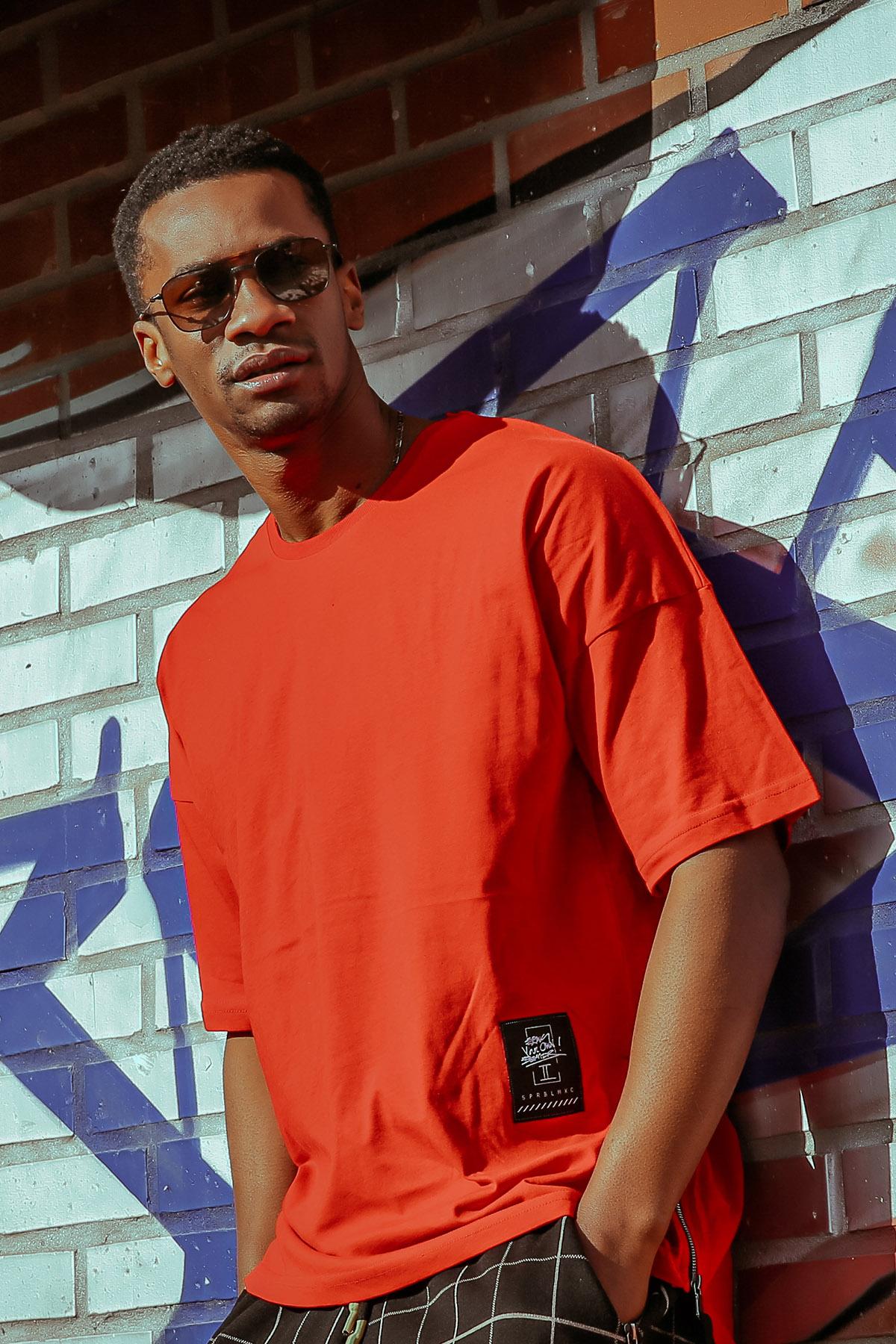 XHAN - Kırmızı Yanı Fermuarlı Oversize T-Shirt 1KXE1-44586-04
