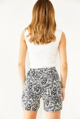 XHAN - Siyah & Beyaz Beli Lastikli Çift Cepli Desenli Şort 0YXK5-43886-02