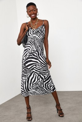 Siyah & Beyaz Zebra Desenli Saten Midi Elbise 1KXK6-44829-86 - Thumbnail
