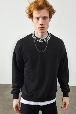 XHAN - Siyah Bisiklet Yaka Yazı Detaylı Sweatshirt 2KXE8-45357-02