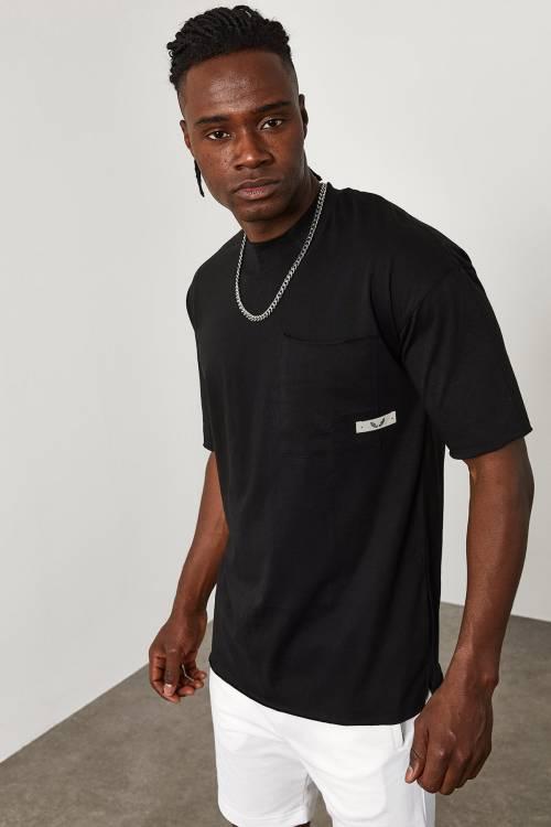 XHAN - Siyah Cep Detaylı Dikişsiz Oversize T-Shirt 1YXE1-45088-02