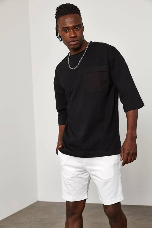XHAN - Siyah Cep Detaylı Yarım Kol Oversize T-Shirt 1YXE1-45095-02