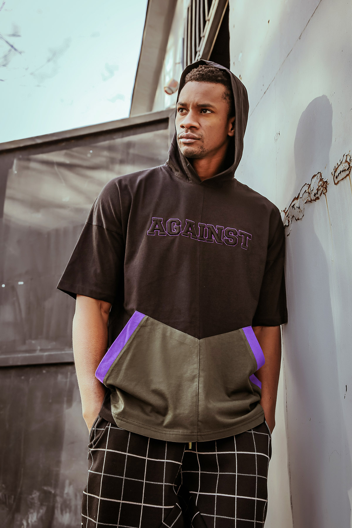 XHAN - Siyah Nakışlı Kapüşonlu Kısa Kollu Sweatshirt 1KXE8-44618-02