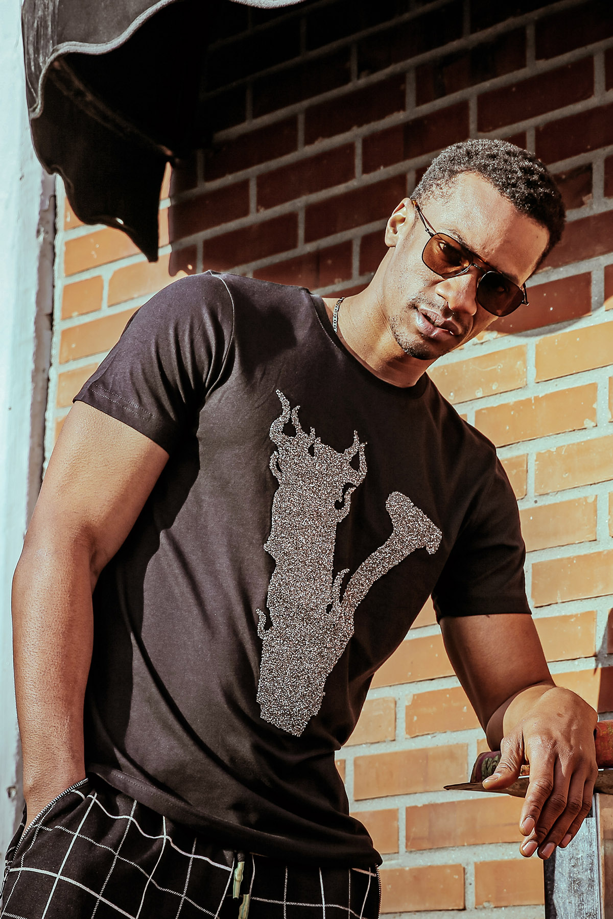 XHAN - Siyah Taşlı T-Shirt 1KXE1-44588-02