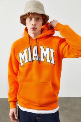 XHAN - Turuncu Yazı Detaylı Kapüşonlı Sweatshirt 2KXE8-45356-11